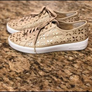 MICHAEL by Michael Kors Beige Lace-Up Sneakers 7